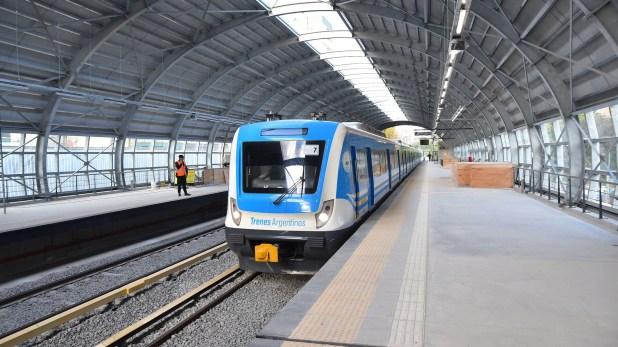 El tren partió de la estación Belgrano C, que será abierta al público este miércoles (Prensa: GCBA)
