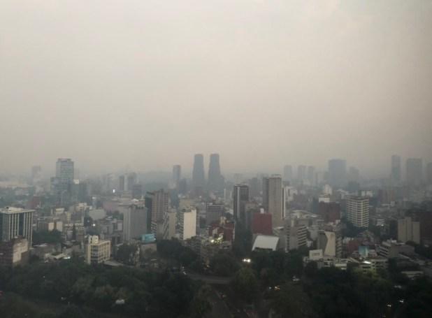 No se activó la contingencia ambiental porque el nivel de partículas contaminantes no había rebasado los 151 puntos, según defendió el gobierno. Horas más tarde, cuando la contaminación alcanzó 155 puntos, tampoco se activó (Foto: Twitter)