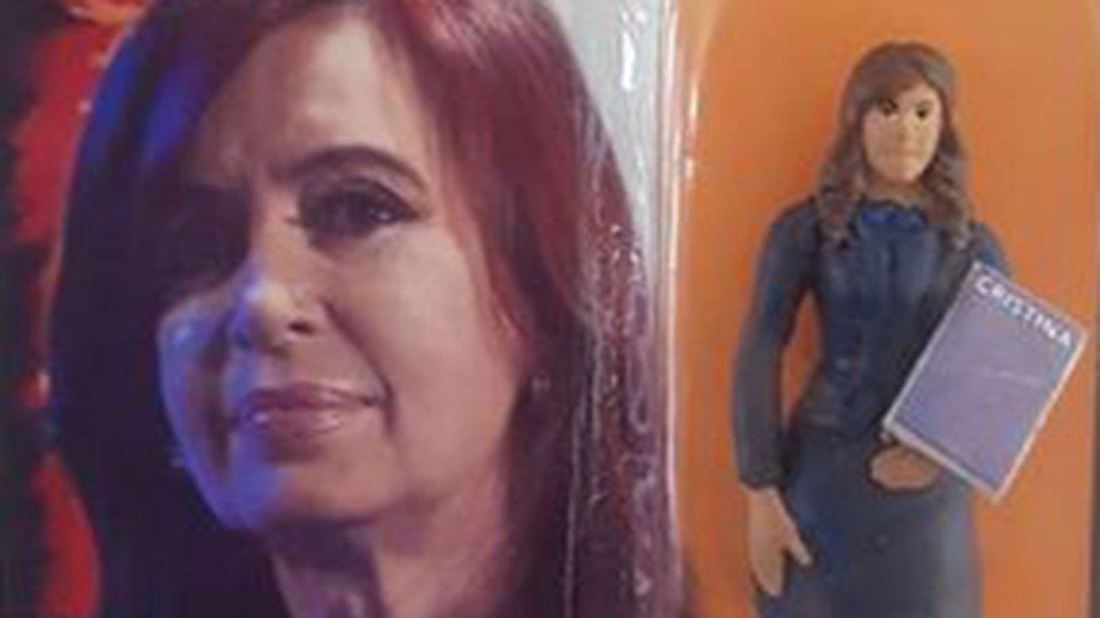 La muñeca que lleva la imagen de Cristina Kirchner