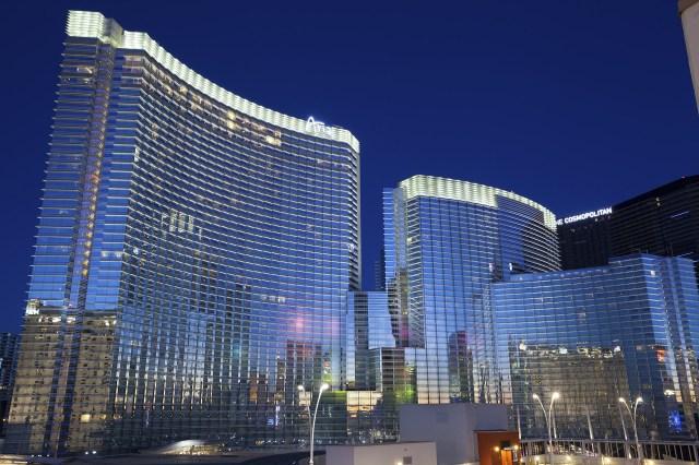 En Las Vegas, Estados Unidos, César Pelli diseñó un proyecto llamado Aria Resort & Casino con un total de 961 100 m2, con 4.000 habitaciones, área de casino, un centro de convenciones de 3 pisos, oficinas, dos estacionamientos y otro subterráneo debajo del casino.
