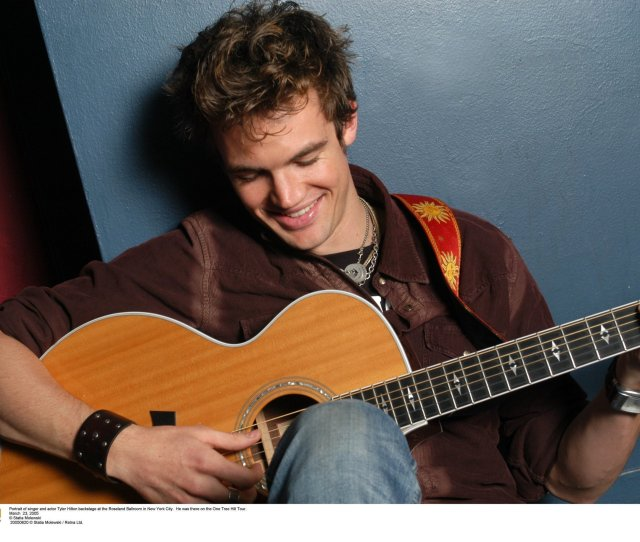 Tyler Hilton Will Perform An Acoustic Show At Valleyfest  8 P M