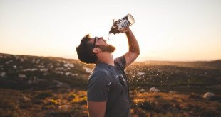 Dehydration: 5 Replenishing Beverages + Ayurvedic Summer Health Tips