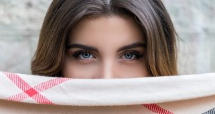 Digital Eye Strain: Pamper Your Eyes With Ayurvedic Treatments, Foods + Exercises
