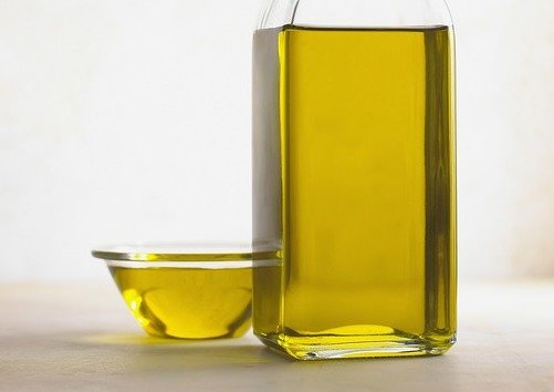 Oil Pulling Experiences: Psoriasis Improved, Tooth Pain Relieved