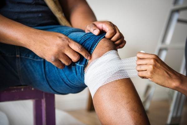Knee pain injuries, knee pain treatment, knee pain relief with Ayurveda.