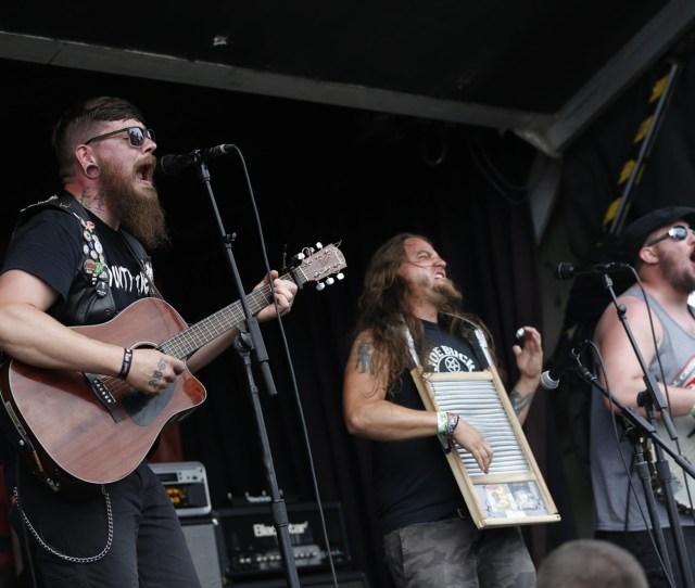 Bands Fans Say Farewell To Warped Tour At Darien Lake