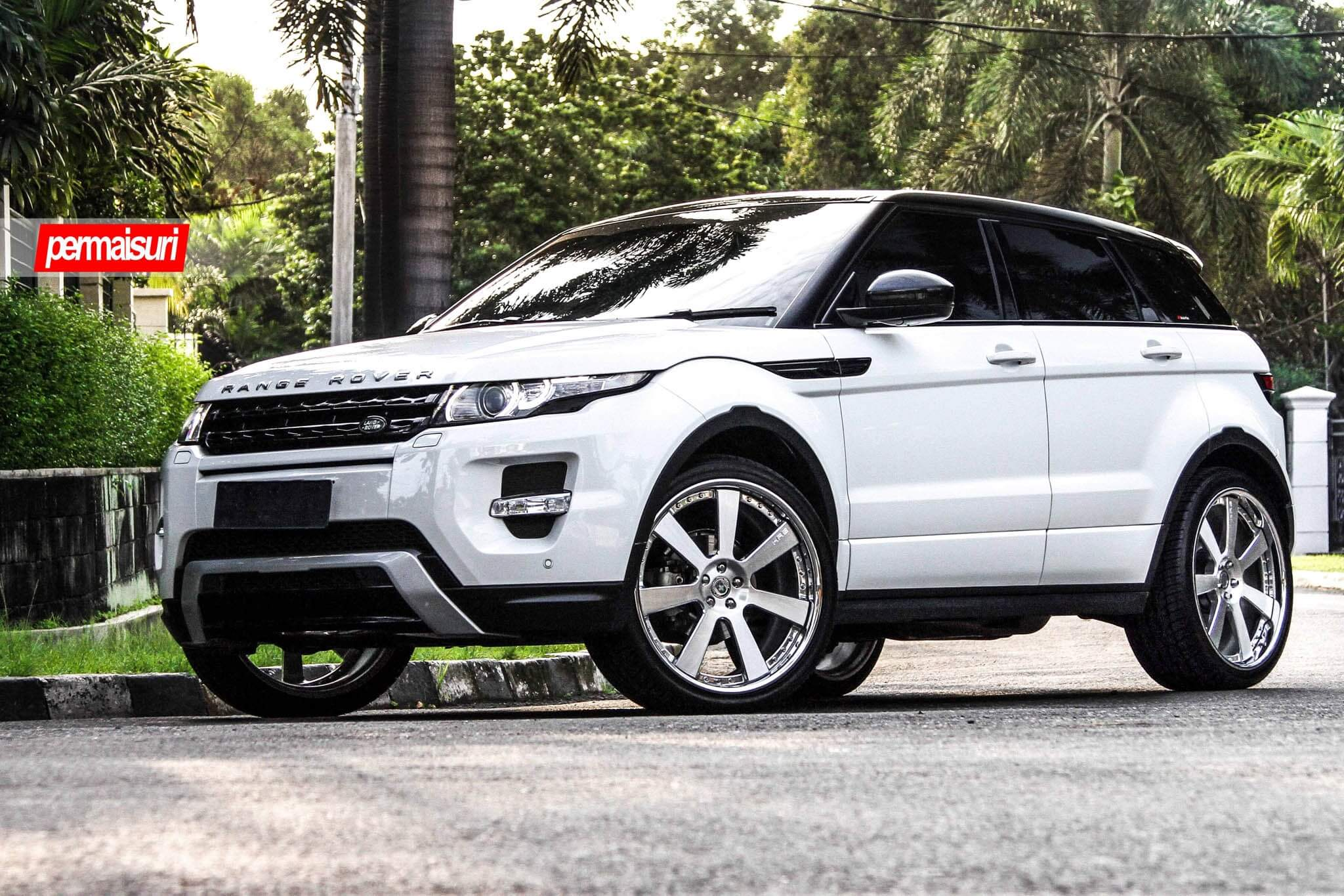 Range Rover Evoque with HRE 948RL in Brushed Clear