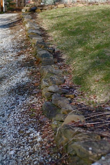 driveway-rock-wall