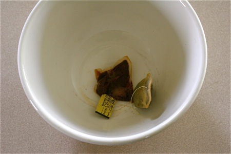 tea-bag-in-compost-pail