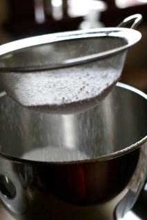 sifting_powdered_sugar