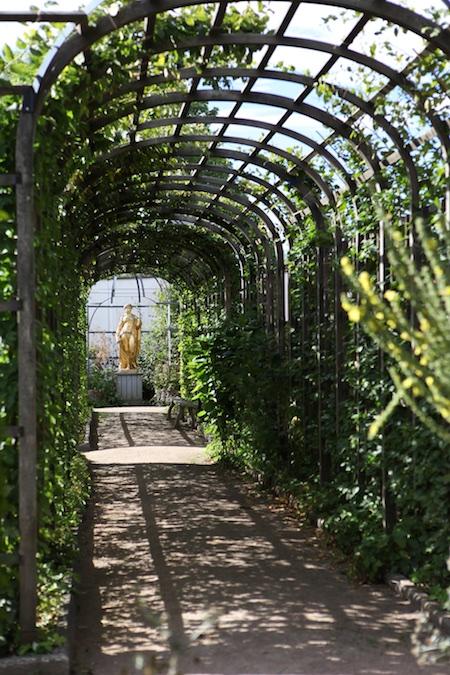 lacko-slatt-walled-lower-garden-6
