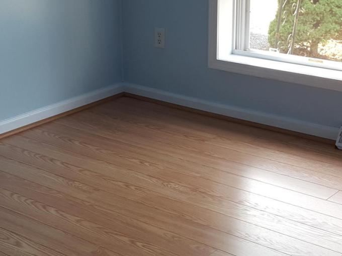 12mm pad Select Red Oak Laminate   Dream Home XD   Lumber Liquidators Dream Home XD 12mm pad Select Red Oak Laminate