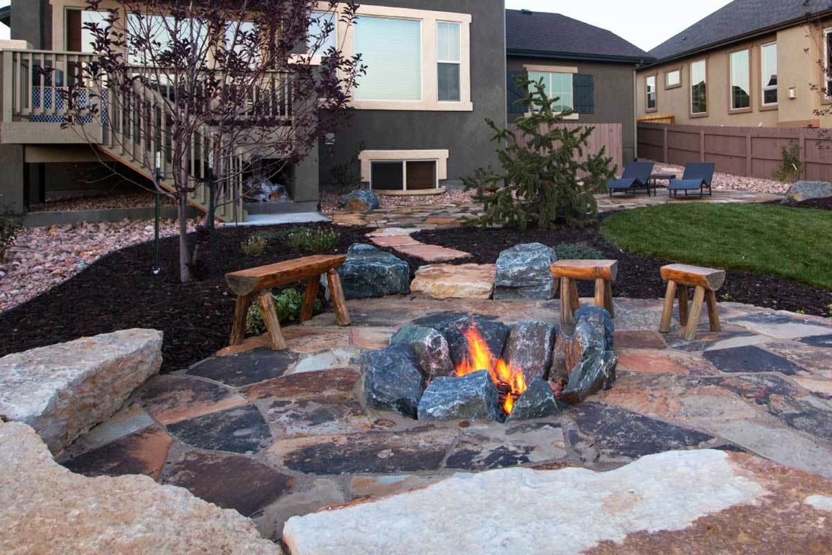 8 Outdoor Fire Pit Ideas for Your Backyard on Outdoor Fire Pit Ideas id=75567
