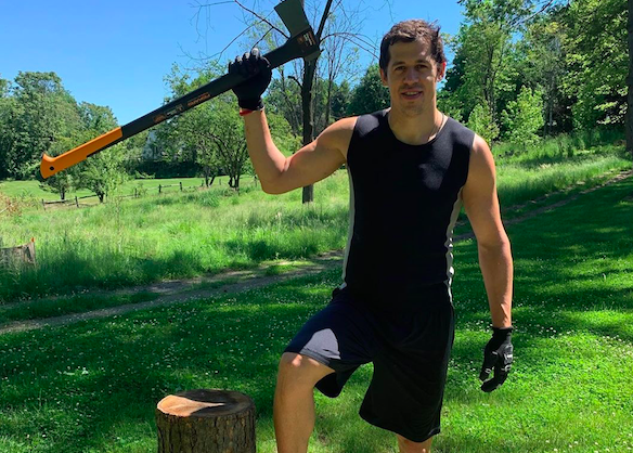 Photo of WATCH: Evgeni Malkin trains like a lumberjack in latest outdoor workout video