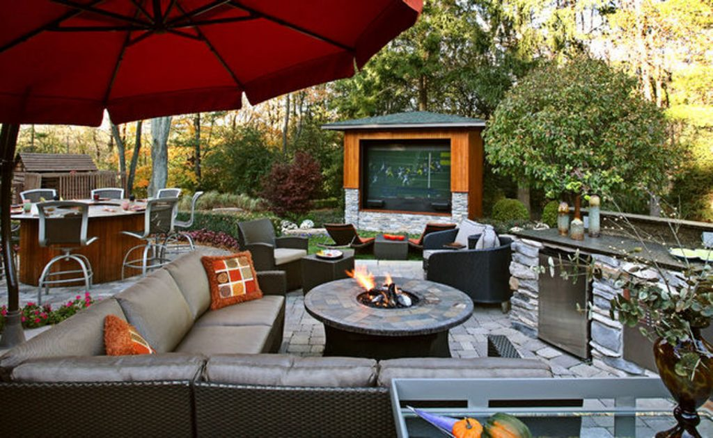 5 awesome outdoor nfl viewing setups