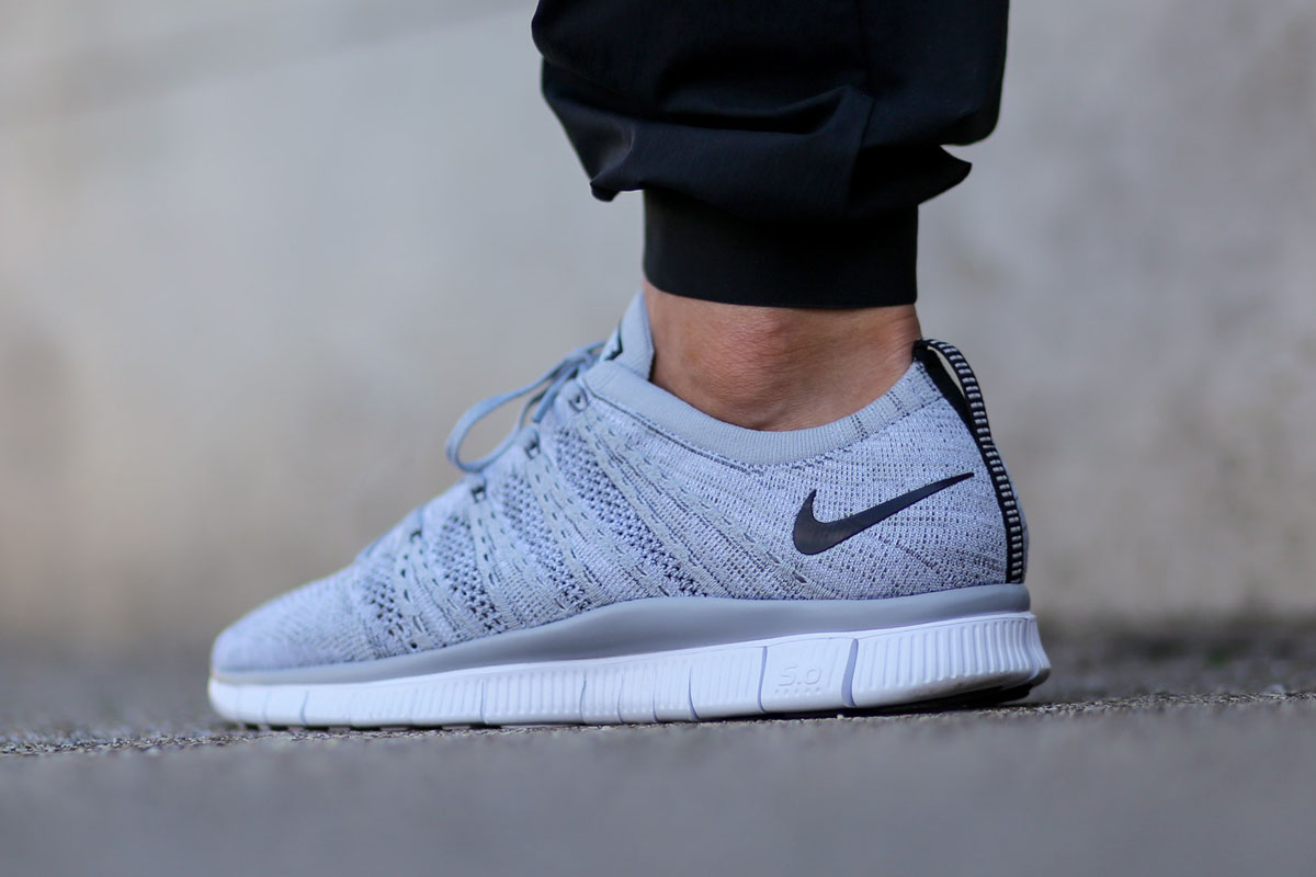 nike free flyknit nsw light grey