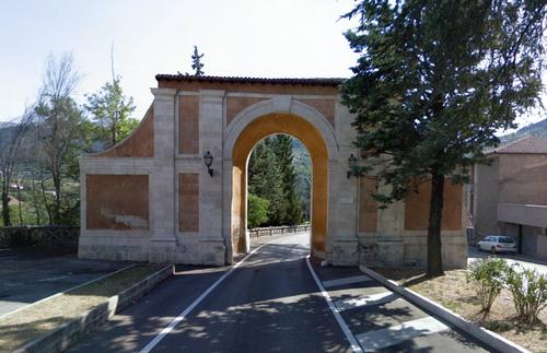 Porta_napoli_007_large
