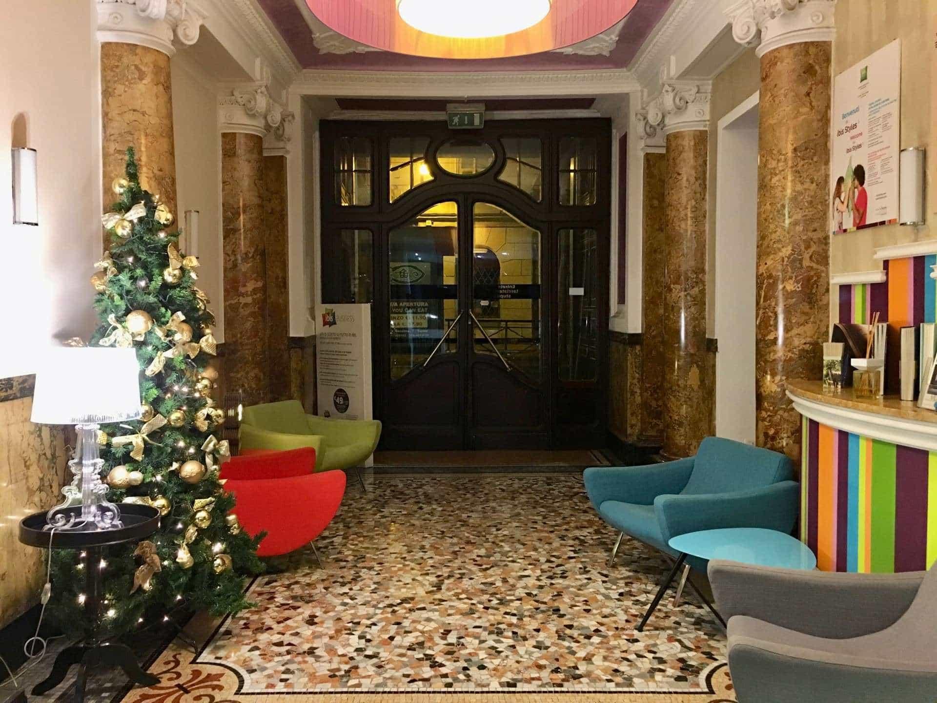 Hotel Foyer Hottingen Review : Ibis styles torino porta nuova hotel review fab meets world