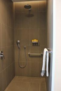 Intercontinental Malta Hotel Highline Suite shower
