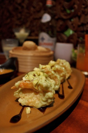 The amazing Wasabi Prawns with avocado and mango salsa at Li Jiang