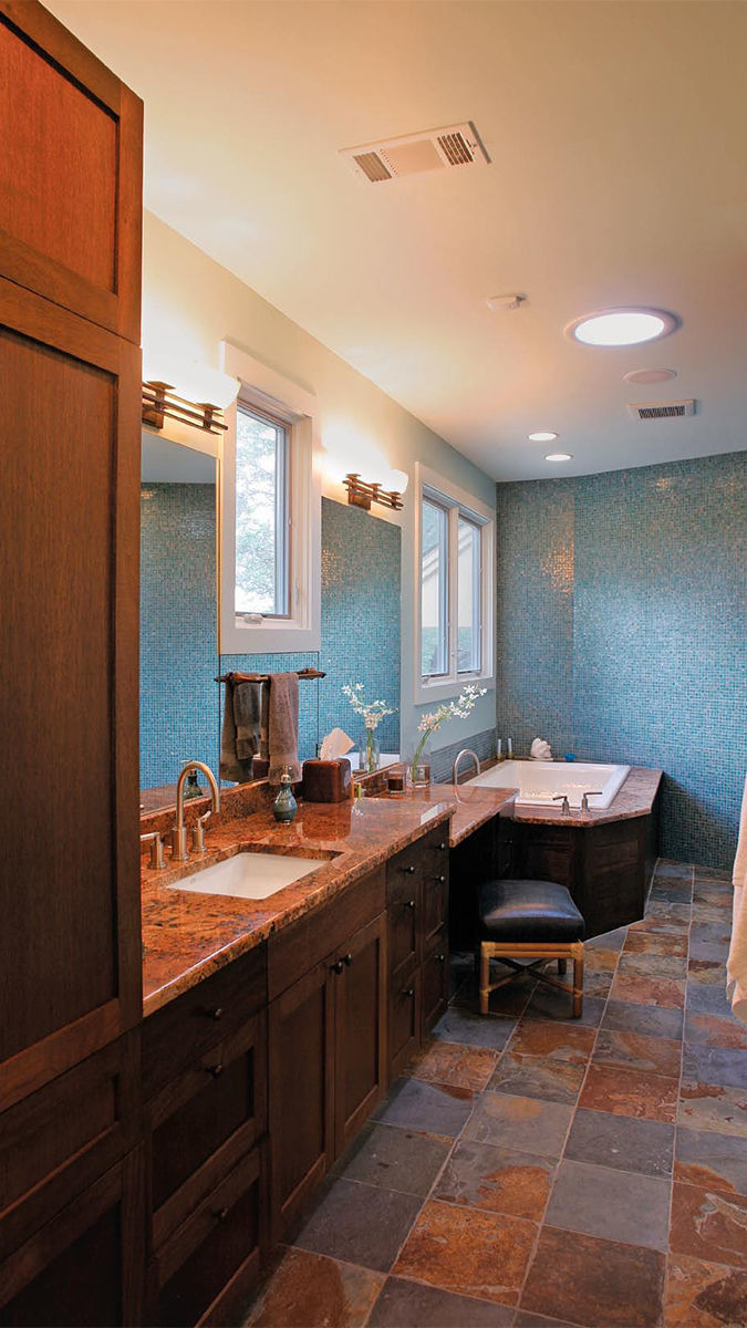 designing showers for small bathrooms