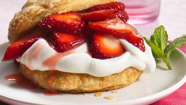 Grands Strawberry Shortcakes