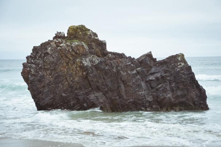 Solo Rock in the Ocean