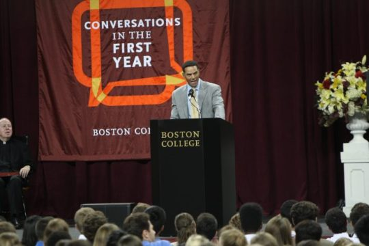 Pemberton Advises Students to Find Fulfillment at Convocation Address