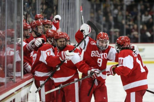 Oettinger Shuts Out Men's Hockey in Weekend Sweep for Terriers