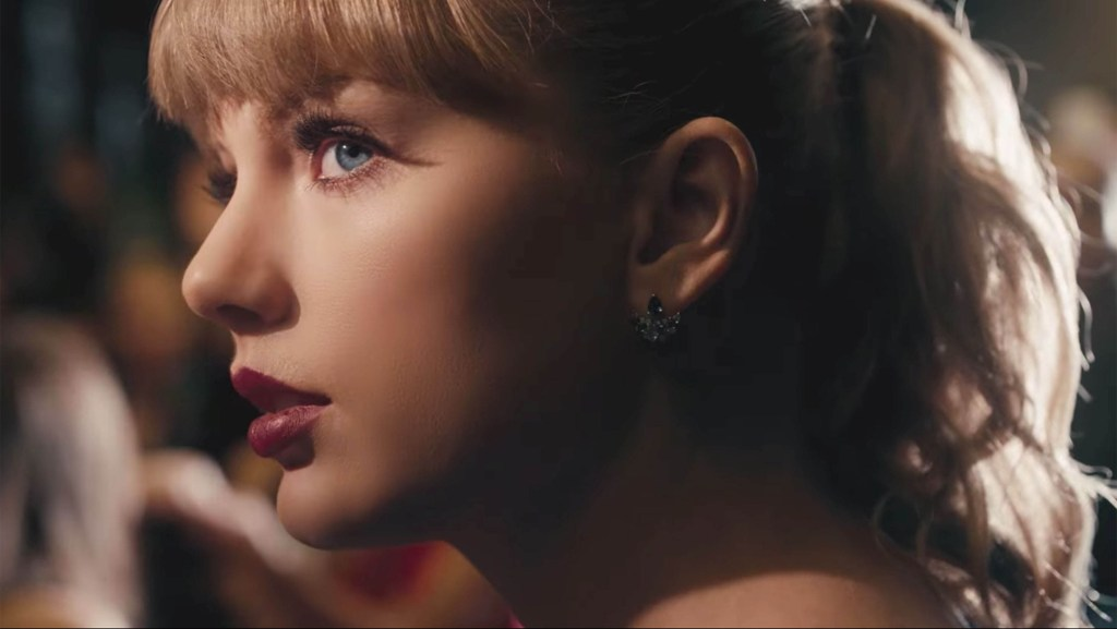 """Swift's New Video Illustrates the """"Delicate"""" Nature of Fame"""