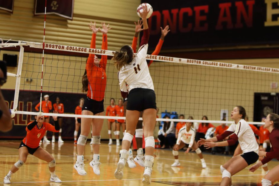 Volleyball Opens ACC Play With Straight-Set Victory Over Clemson