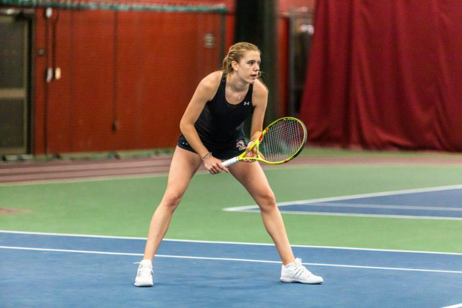 Women's Tennis Upsets Miami, Tallies Third Straight Win