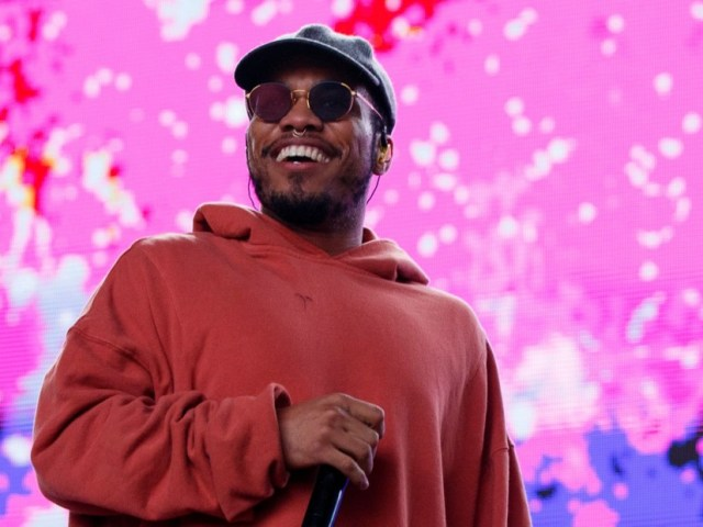 """Anderson .Paak Debuts """"Bubblin'"""" & Says Dr. Dre Is Taking Him To """"The Next Level"""""""