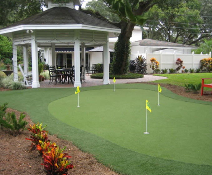 28 Outdoor & Indoor Putting Greens & Mats (Designs & Ideas) on Putting Green Ideas For Backyard id=56594