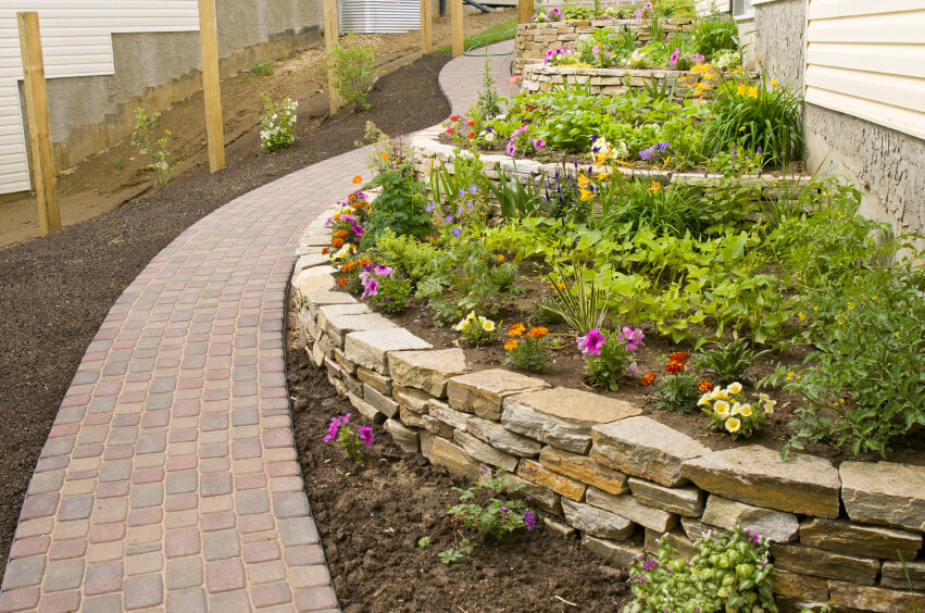 50 Backyard Retaining Wall Ideas and Terraced Gardens (Photos) on Terraced House Backyard Ideas id=56284