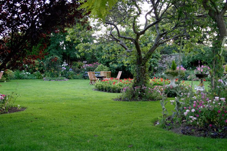 41 Stunning Backyard Garden Ideas (Photos) on Beautiful Backyard Ideas id=63147