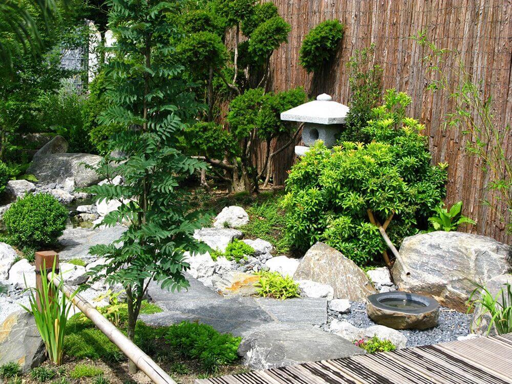 32 Backyard Rock Garden Ideas on Backyard Rock Designs id=96152