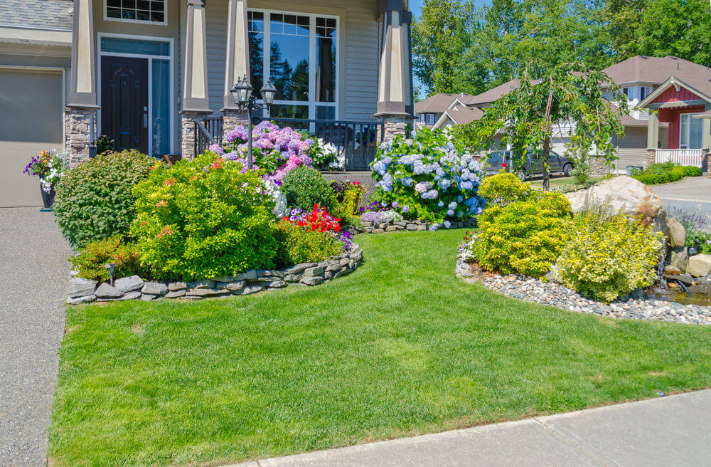 101 Front Yard Garden Ideas (Awesome PHOTOS) - Home ... on Front Yard Patio id=18848