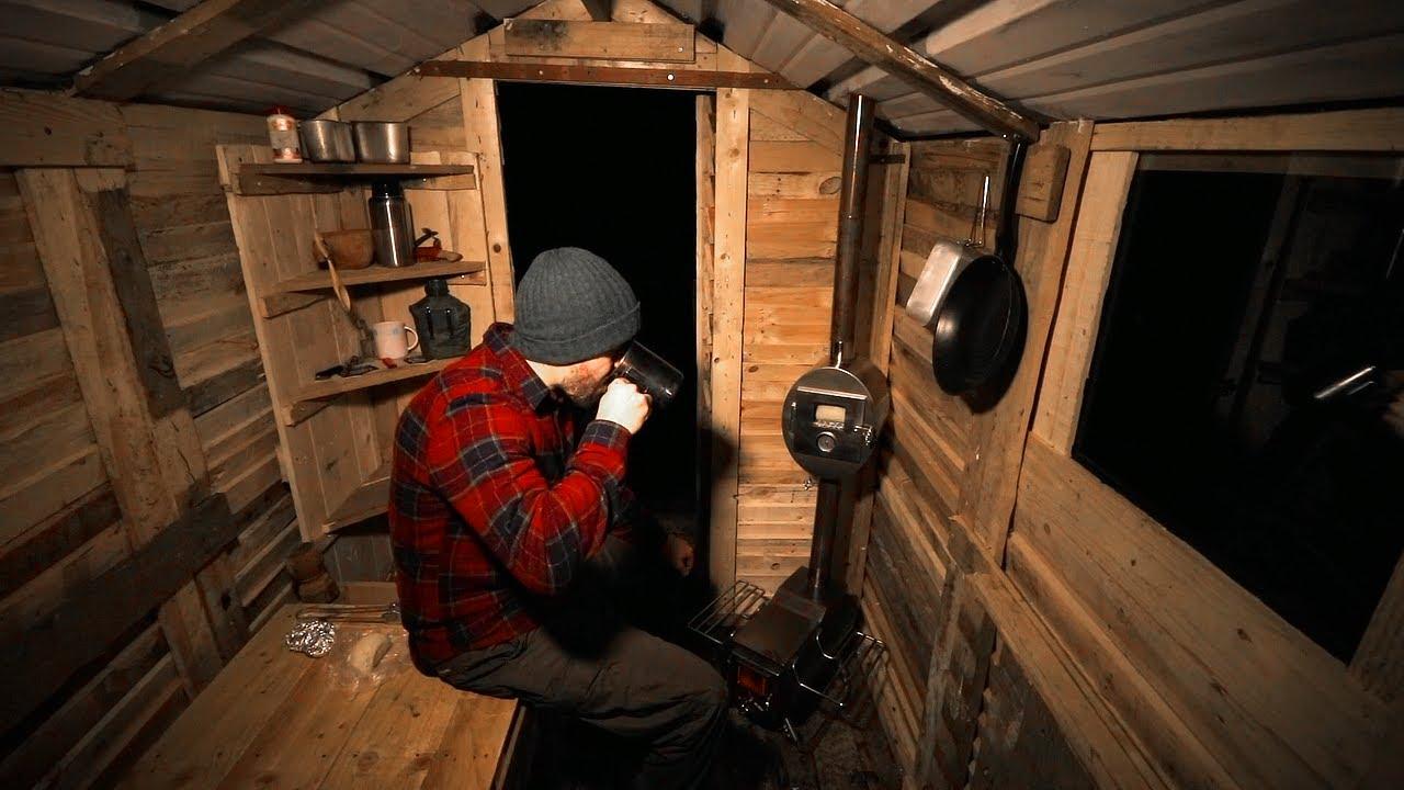 Off Grid Life Build A Pallet Wood Cabin Gearjunkie