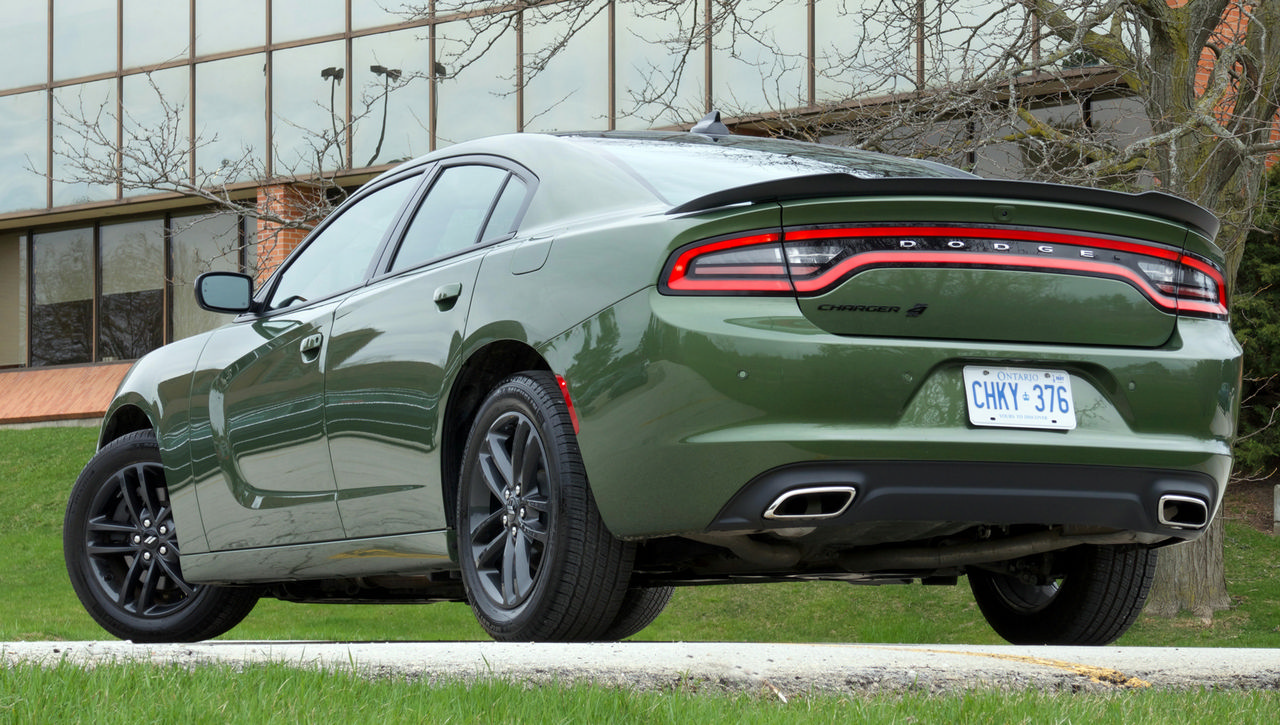 review 2019 dodge charger sxt awd