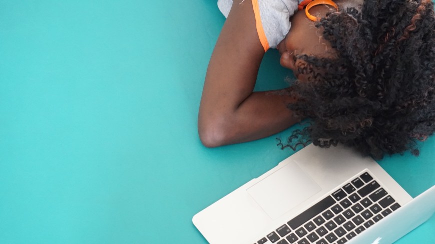Africa, photo, free, girl, woman, mac, working, sleeping, young, hair, green, beauty, relax, thinking, earrings, people, startup, work