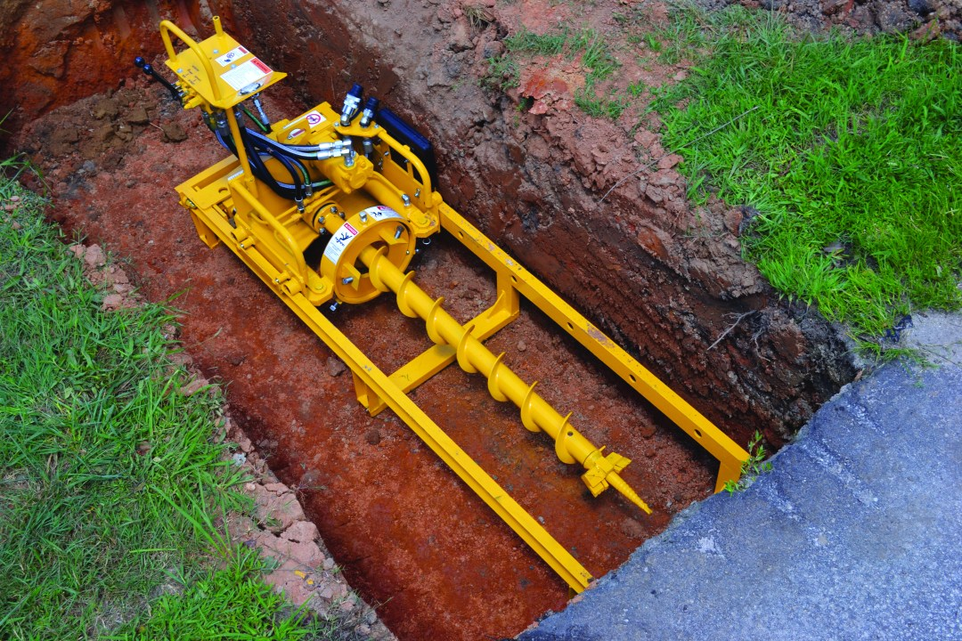 Easy Set Up. The short carriage of the MCL12HB enables setup in trenches only 7' in length using a 4' auger flight for free bore applications and case bore using 10' sections of pipe (steel or pvc) with a 13' track.
