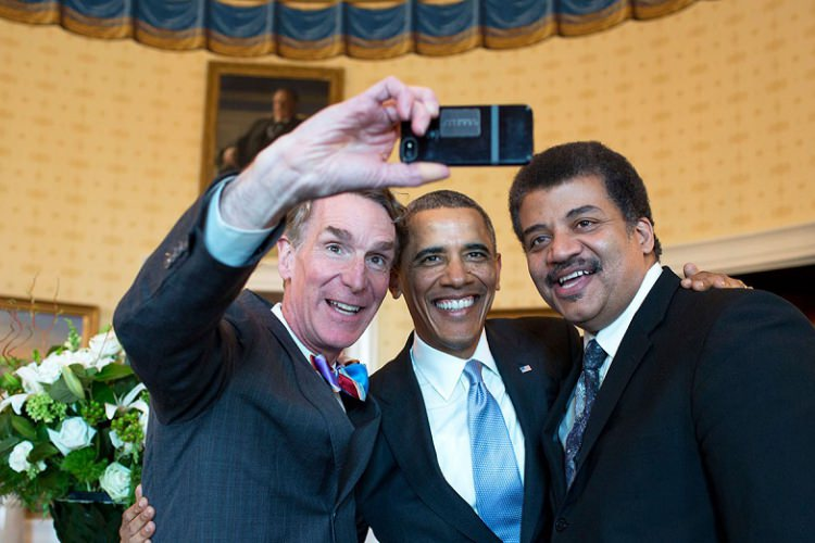 Bill_Nye_Barack_Obama_and_Neil_deGrasse_Tyson_selfie_2014_750