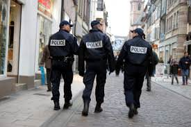 Here's How You Turn the Police State Against Itself