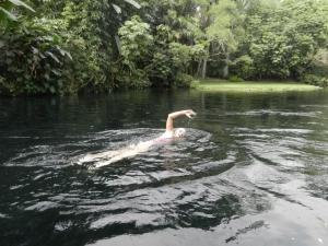 Nadando contra corriente en Las Estacas