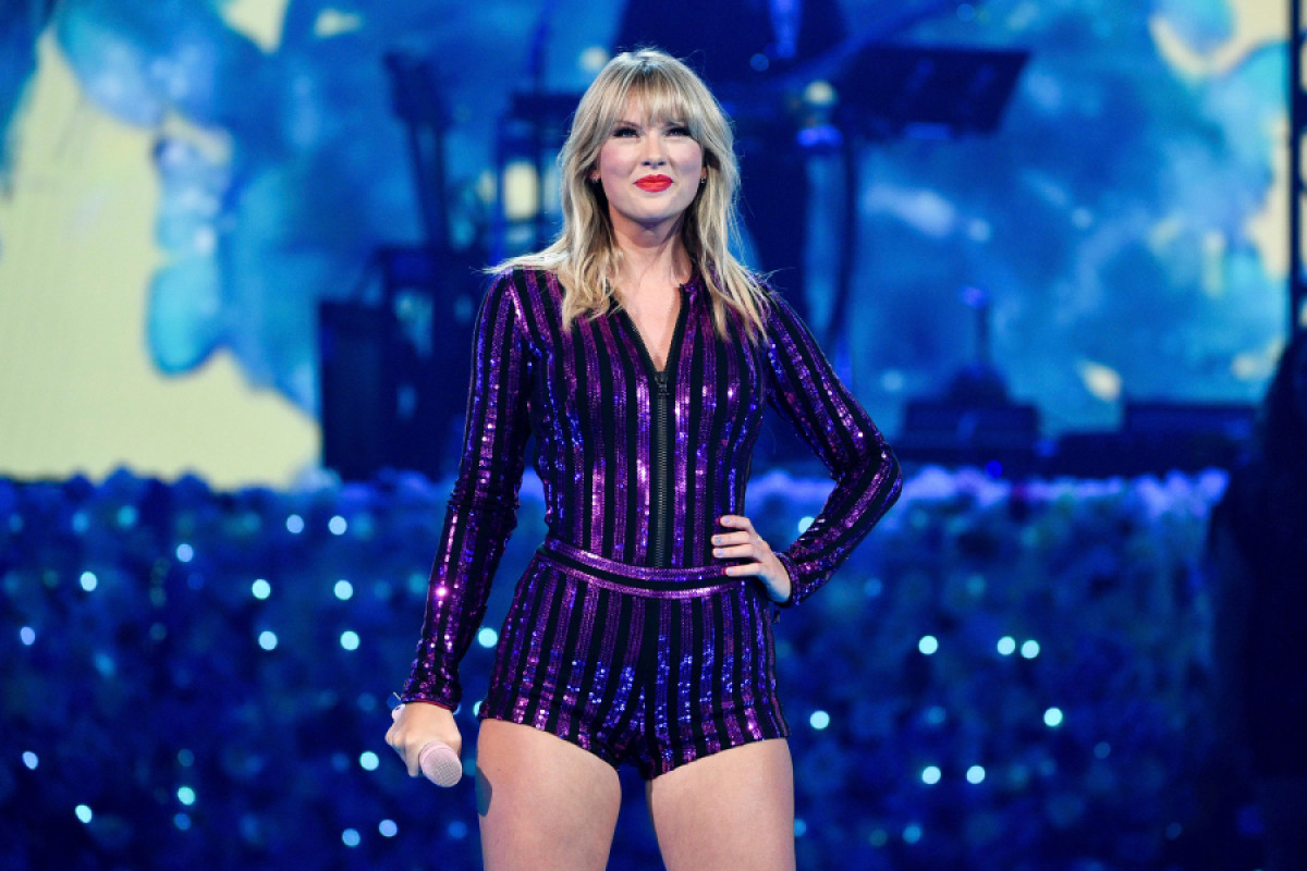 What The Hell Happened Taylor Swift Vs Big Machine Records And Scooter Braun Arts The Harvard Crimson