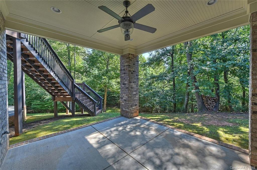 Property for sale at 827 Cooks Cove Ridge, Lake Wylie,  South Carolina 29710