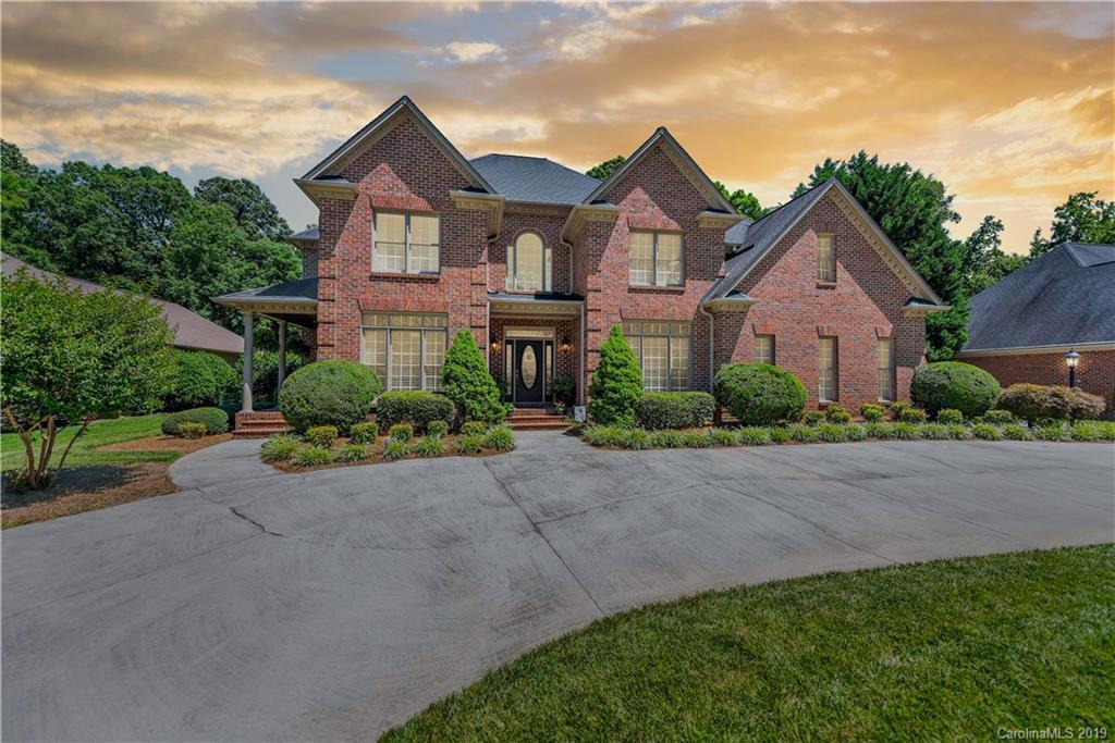Property for sale at 727 Hanna Woods Drive, Cramerton,  North Carolina 28032