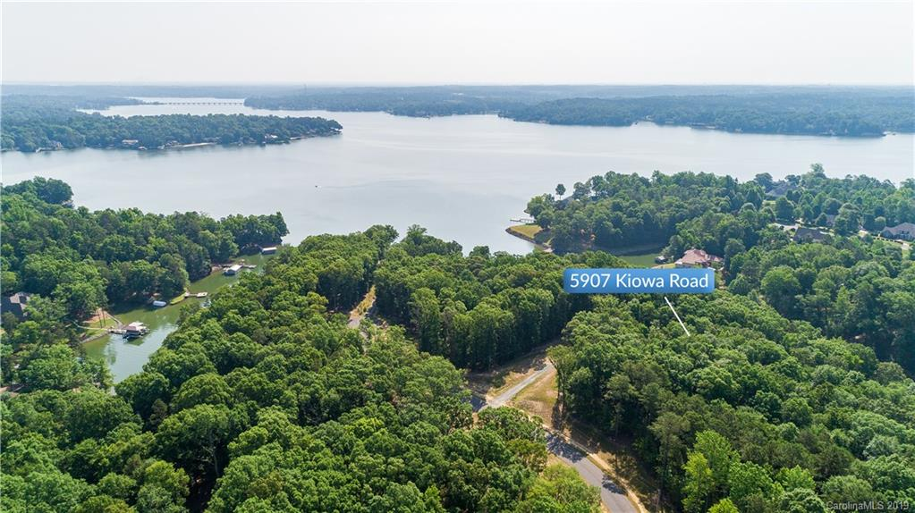 Property for sale at 5907 Kiowa Road Unit: 14, Lake Wylie,  South Carolina 29710