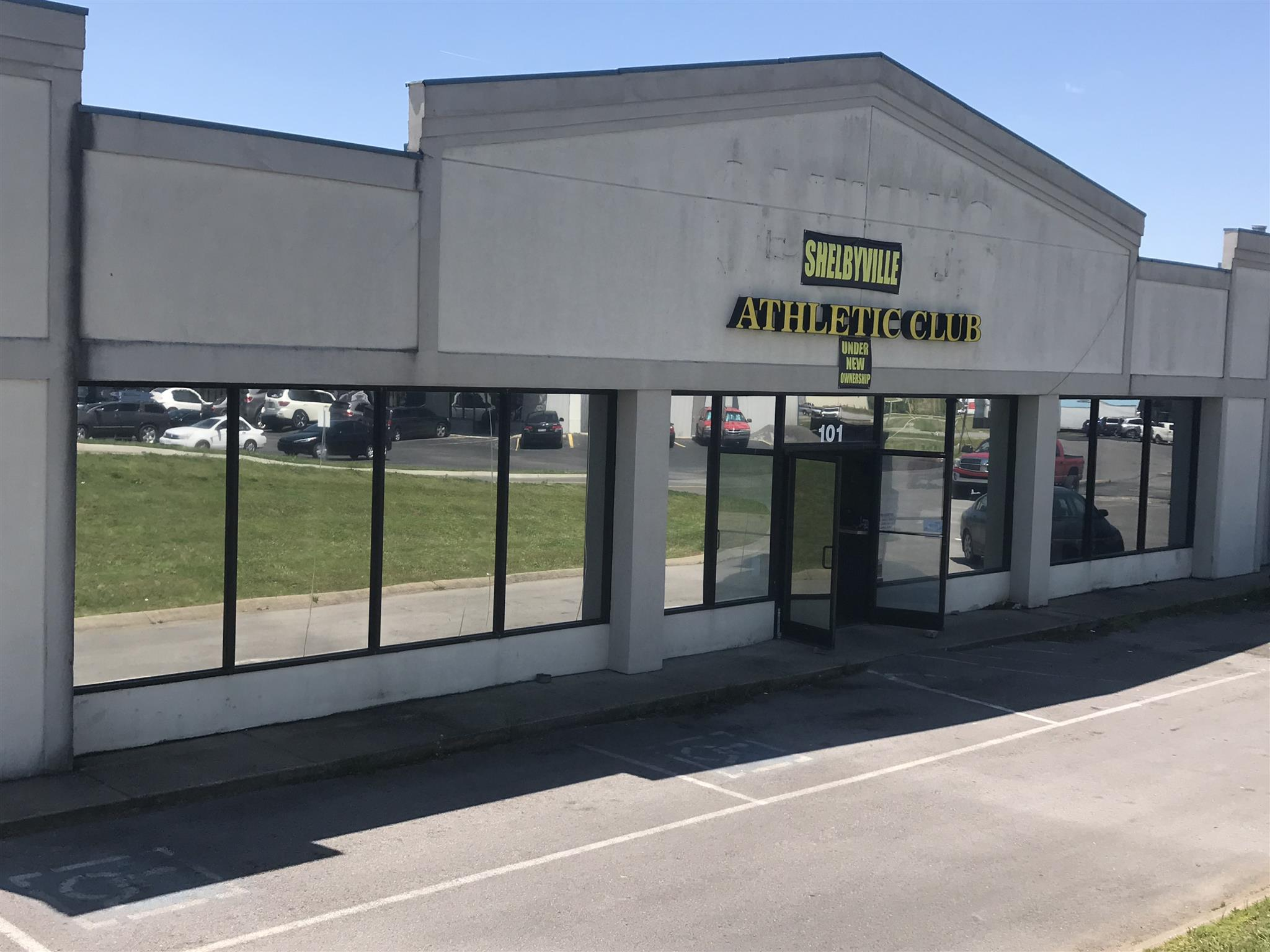7500+ sq. ft. with a current tenant and with many possibilities.  2 lorckerrooms, 2 bathrooms, open floor space, and office space.  This is truly a place that has many options for whatever you like.  Great visibility and exposure directly off the main.